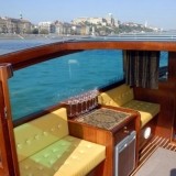 A perfect combination of sightseeing and luxury for your hen do - Danube Luxury Limousine Boat